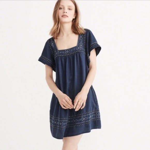 Abercrombie & Fitch Dresses & Skirts - NWOT A&F Ruffle Sleeve Dress